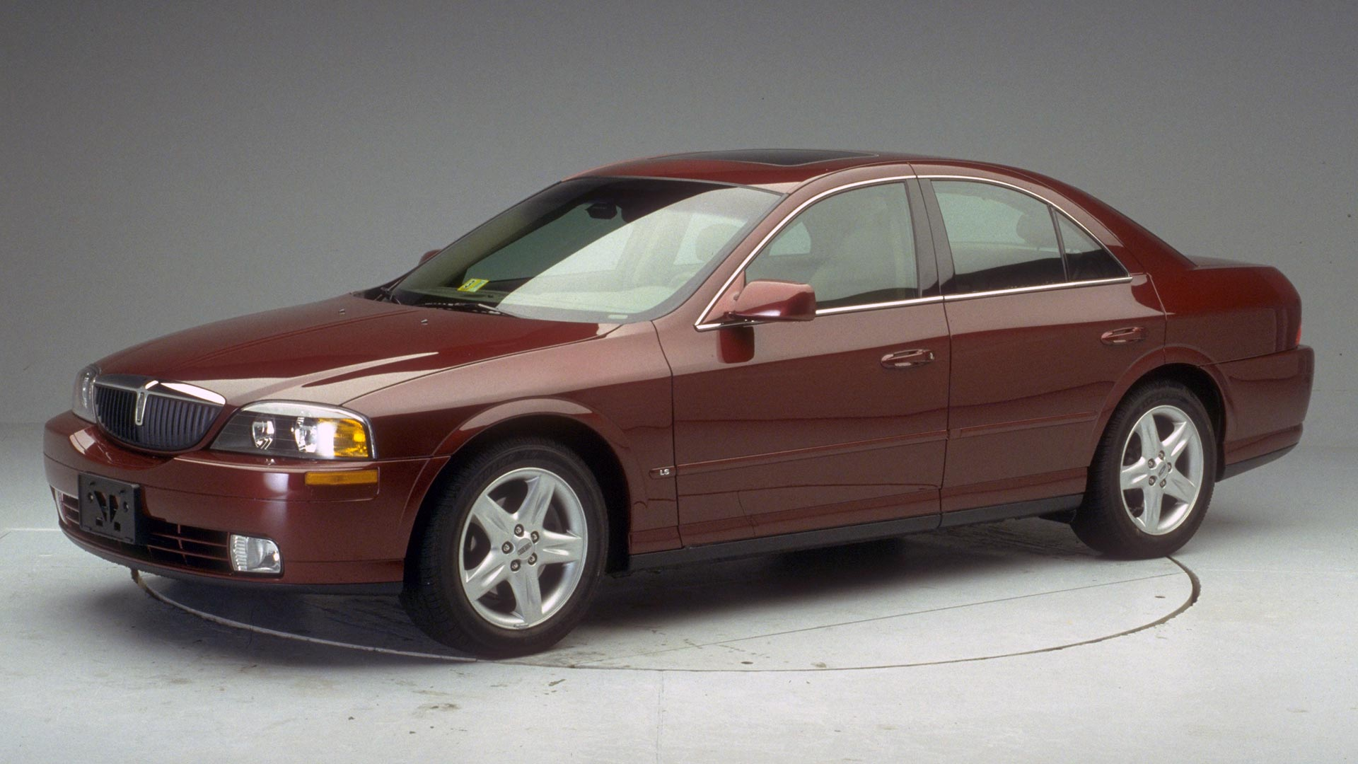 2005 Lincoln LS 4-door sedan
