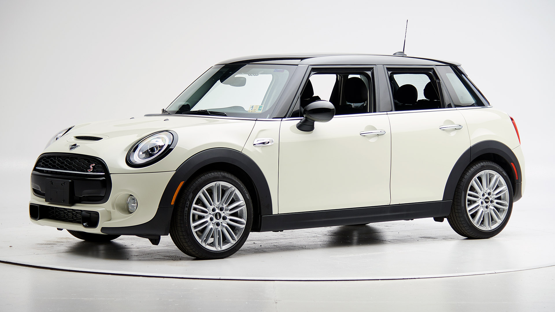 2021 Mini Cooper 4-door hatchback