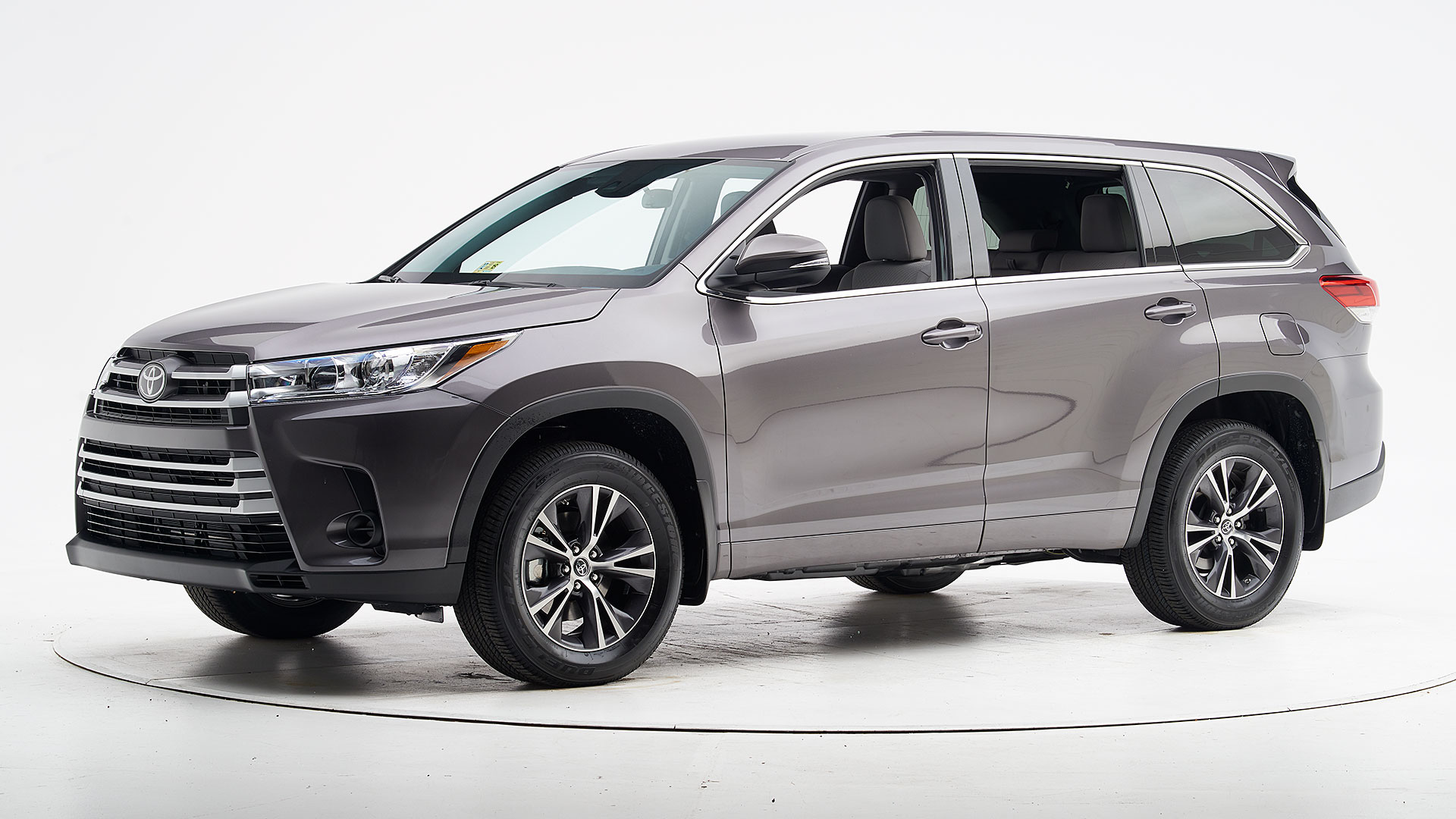 2018 Toyota Highlander 4-door SUV