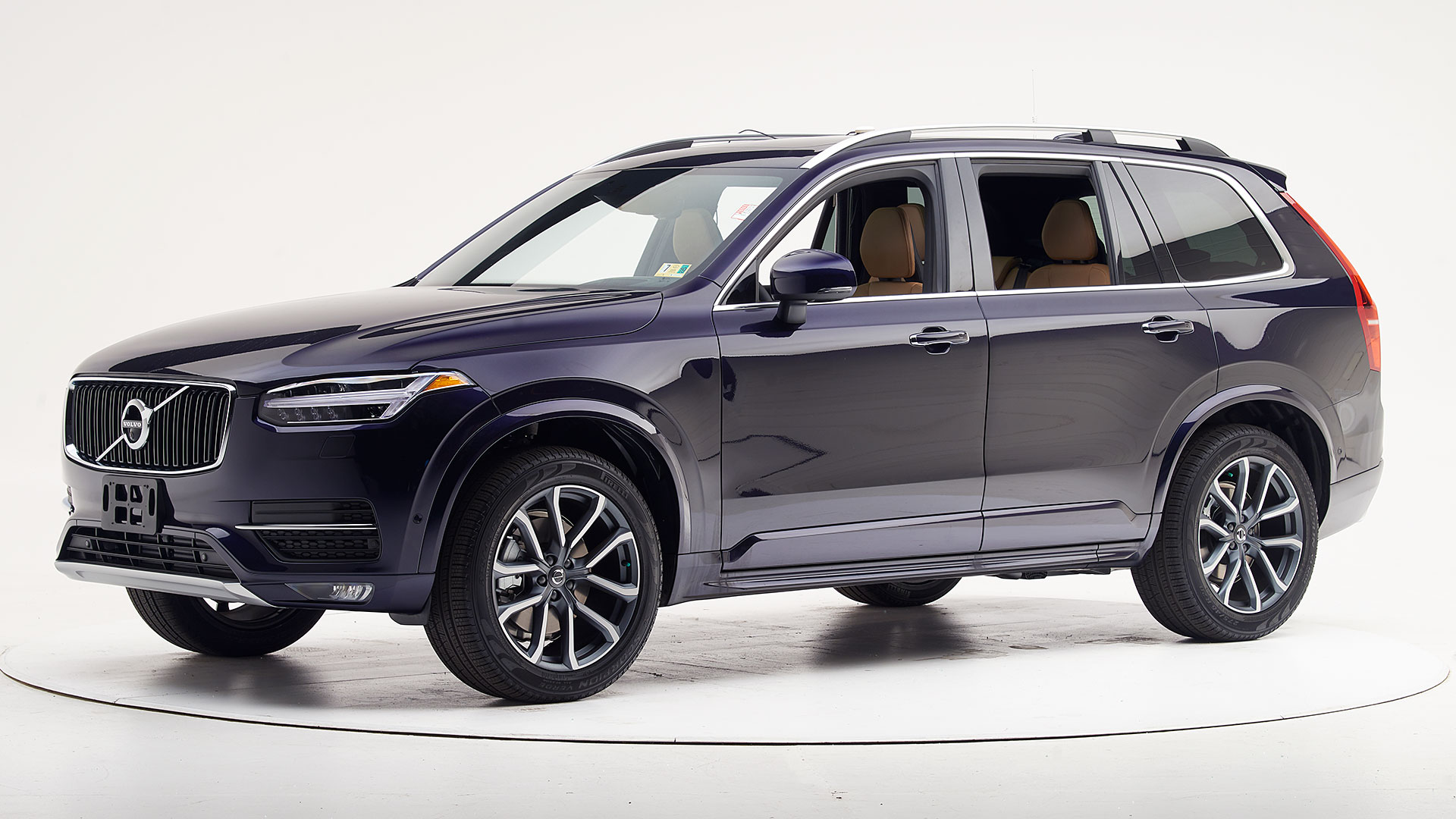 2019 Volvo XC90 4-door SUV