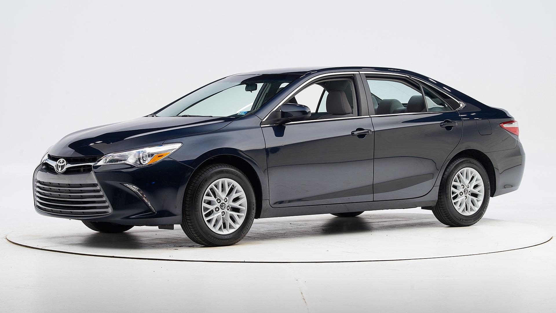 Kelebihan Kekurangan Toyota 2017 Spesifikasi