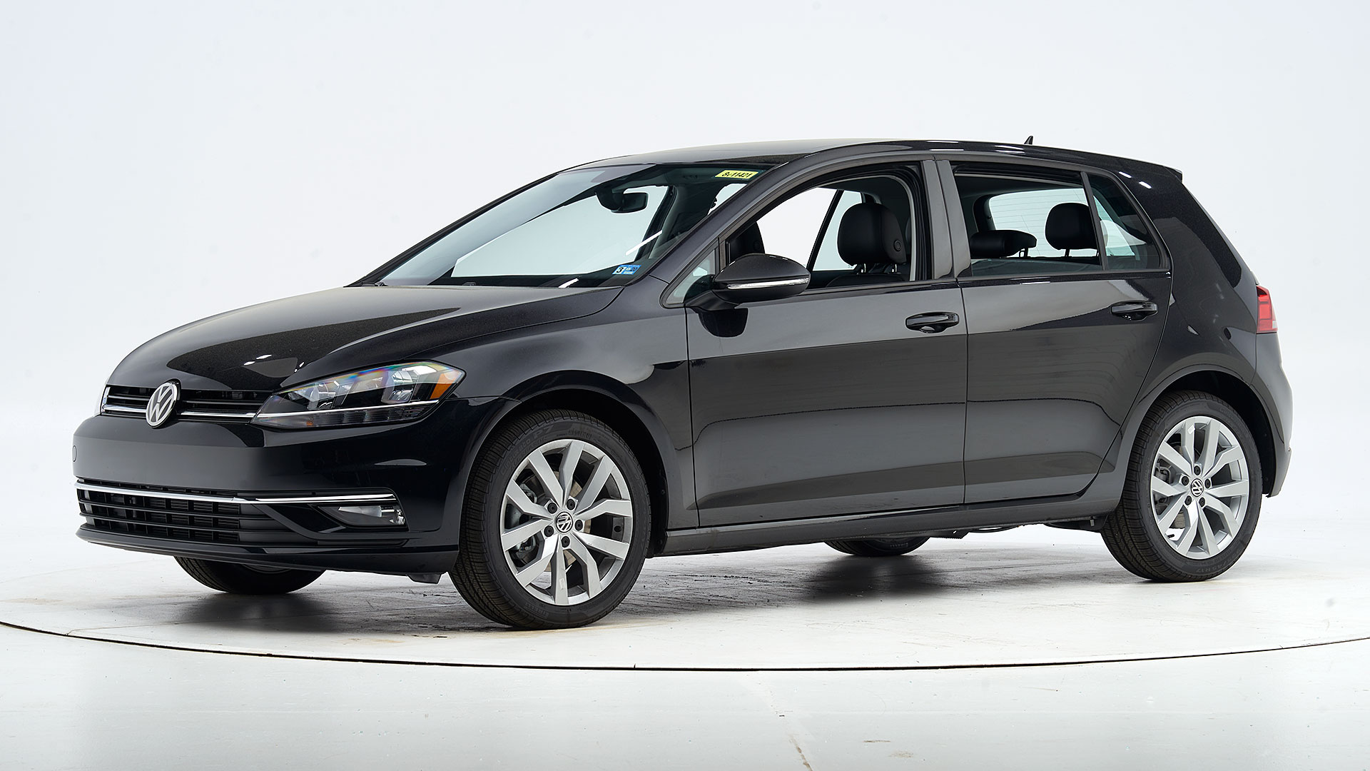 2019 Volkswagen Golf 4-door hatchback
