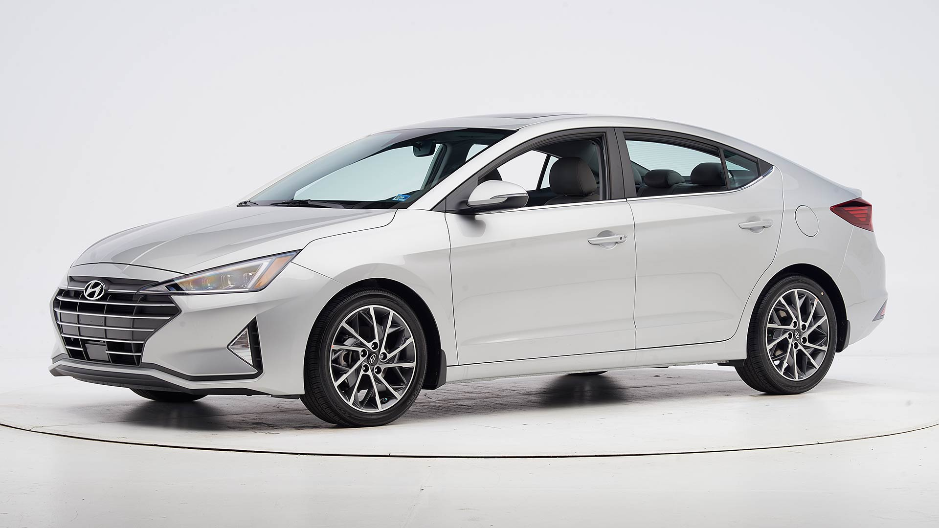 2020 Hyundai Elantra 4-door sedan