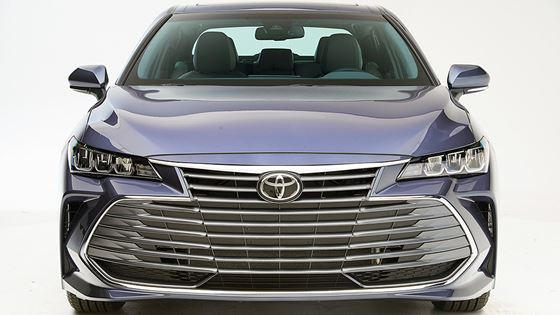 Redesigned Toyota Avalon Earns Highest Accolade From Iihs