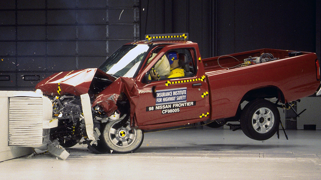 Speed Test Frontier >> Small pickups disappoint in crash tests