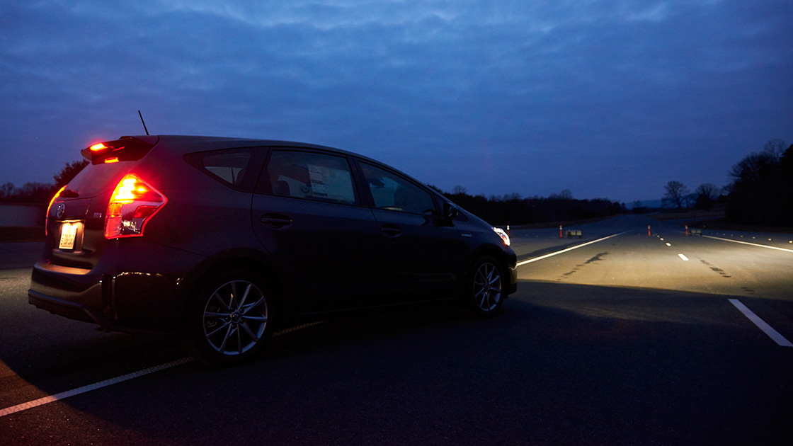 Iihs Safety Ratings >> New IIHS ratings show most headlights are lacking