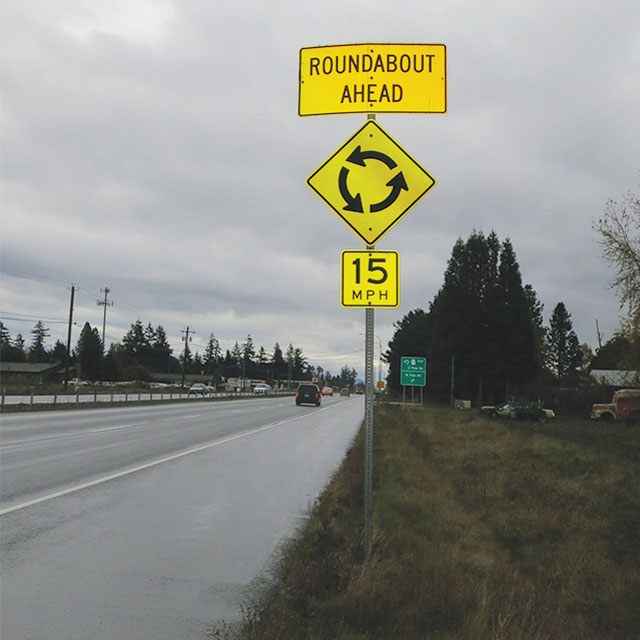 Roundabout sign in Washington state