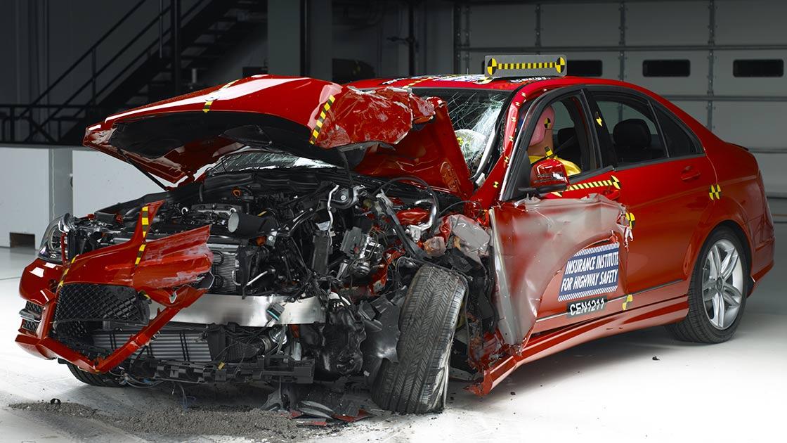 Iihs Safety Ratings >> IIHS raises the bar with new crash test