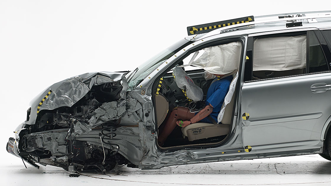 Volvo XC90 earns Institute's top safety award