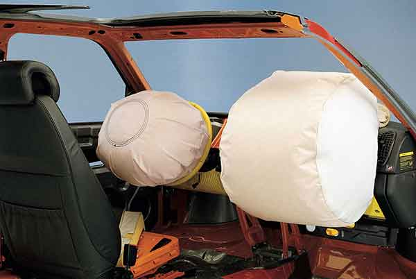 Dual frontal airbag system