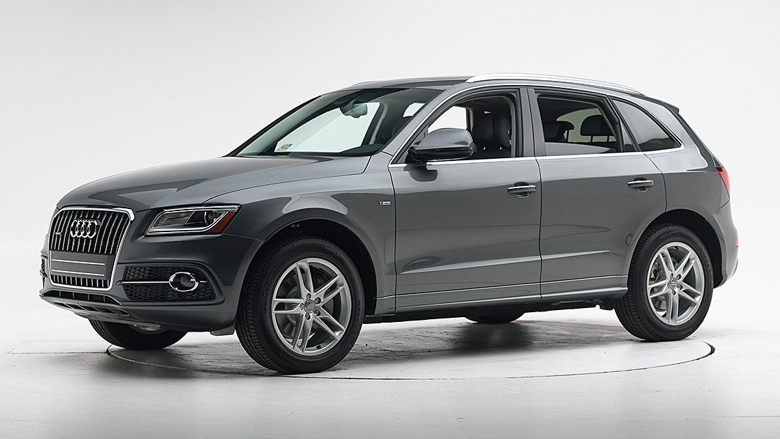 audi q5 earns top safety pick. Black Bedroom Furniture Sets. Home Design Ideas