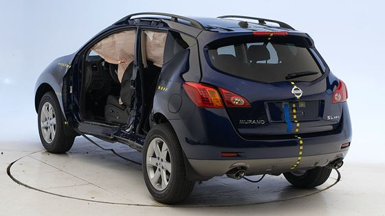 The Best Overall Performer In Front Side And Rear Tests Of Nine 4 Door Midsize Suv Models Is Redesigned 2009 Nissan Murano Which Earns Top Safety