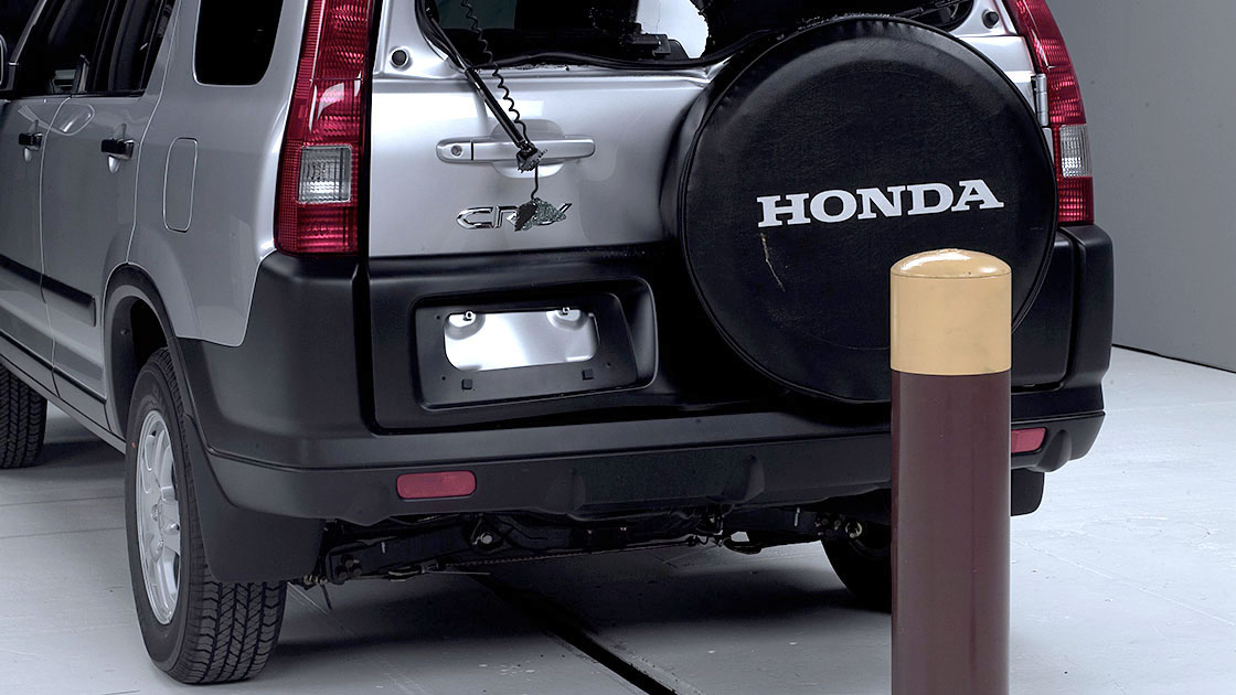 Just 1 of 4 small suvs tested has good bumpers for Iihs honda crv