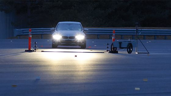 Iihs Engineers Test Headlights At Night On The Outdoor Track Vehicle Research Center In Ruckersville Va