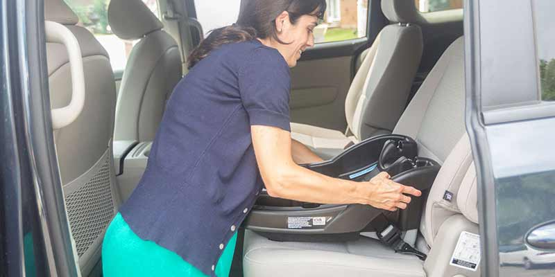 Installing a child seat using LATCH