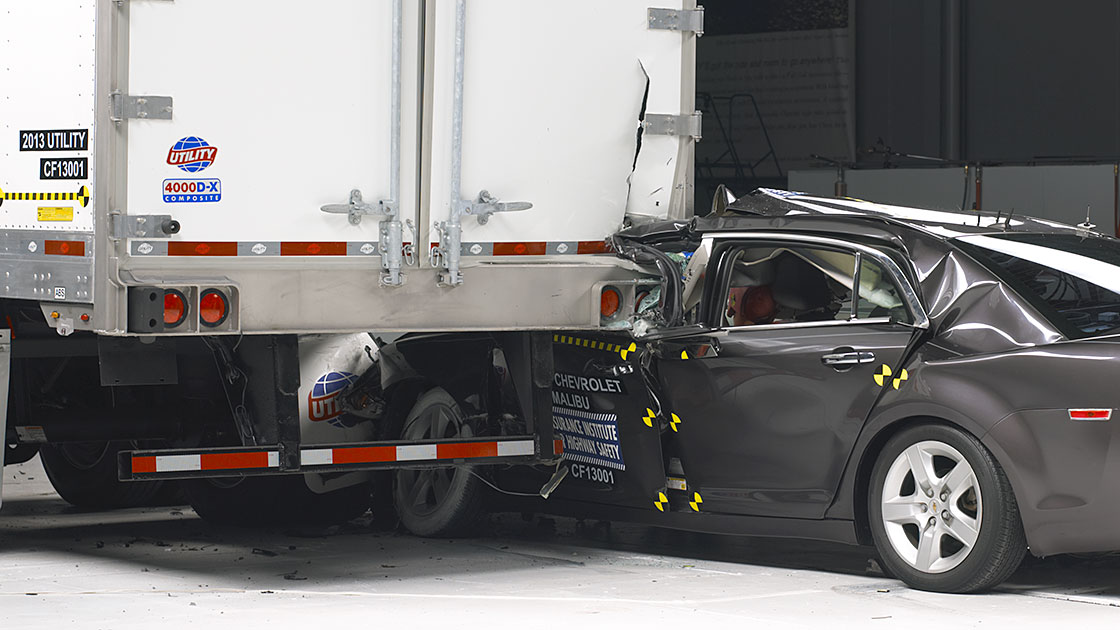 Iihs Safety Ratings >> Truck underride guards leave car occupants at risk
