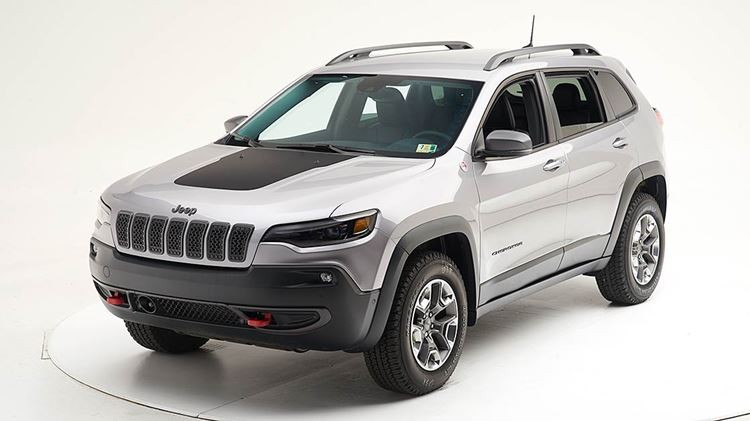Updated Jeep Cherokee earns safety award