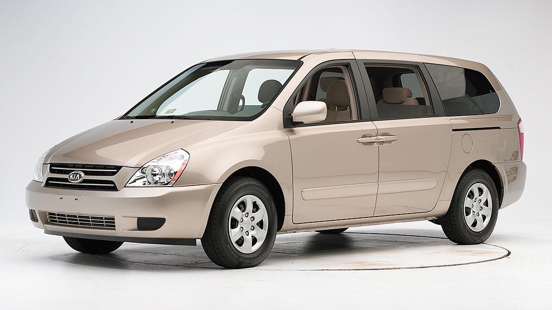 kia sedona is 1st minivan to earn top safety pick. Black Bedroom Furniture Sets. Home Design Ideas