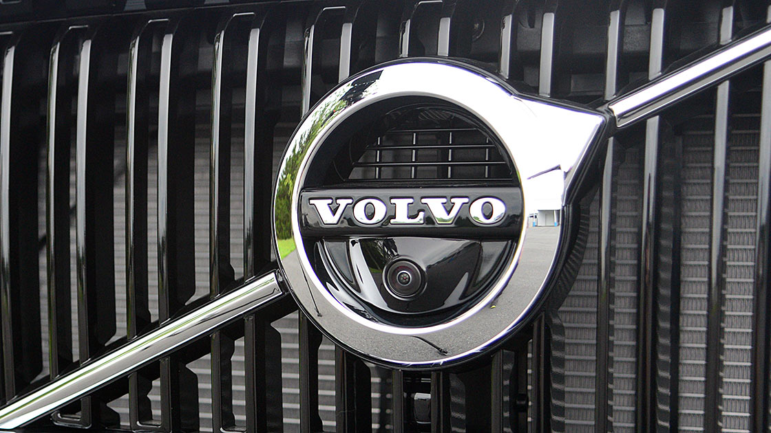 Volvo earns two more safety awards